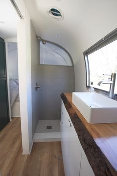 Home Renovations Renovated 1968 Airstream Sovereign For Sale in San - This is a 1968 Airstream Sovereign that's for sale sold in San Francisco, California. It's been completely renovated and sleeps up to four people comfortably. The Airstream offers … Budget Bathroom Remodel, Shower Remodel, Bathroom Renovations, Home Remodeling, Bathroom Makeovers, Restroom Remodel, Kitchen Remodeling, Airstream Remodel, Airstream Renovation