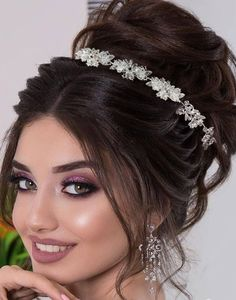 Tiara mireasa Deluxe Flowers Wedding Boxes, Beautiful Creatures, Make Up, Hairstyle, Bride, Angels, Earth, Fashion, Head Bands