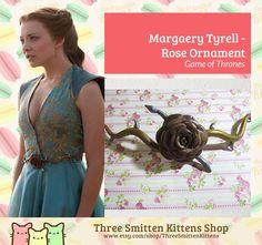Antik Rose Ornament aus der TV-Serie Game of Thrones, vom Zeichen Margaery Tyrell, gespielt von Natalie Dormer.  Gesamtlänge der Verzierung