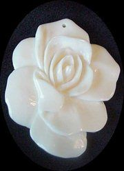 004118: ELEGANT CARVED WaterBuffalo Bone ROSE FLOWER Bead 4118