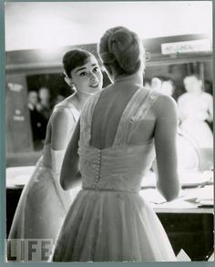 1956 Oscars,  Grace Kelly and Audrey Hepburn-- real class.