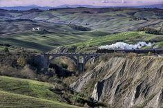 Montalceto, crete senesi con il treno natura  #TuscanyAgriturismoGiratola
