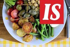 Nizzan salaatti on ruokaisa salaatti. Tässä versiossa ei ole lainkaan tonnikalaa ja perunat ovat paahdettu uunissa maistuviksi.