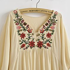 bordados mexicanos paso a paso ile ilgili görsel sonucu Mexican Embroidery, Embroidery Dress, Embroidery Art, Embroidery Stitches, Embroidered Clothes, Embroidered Tunic, Embroidery Neck Designs, Love Sewing, India Fashion