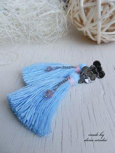 Серьги кисти ручной работы, нежные. голубые. Голубой. #tasselearrings #earrings #tassel #handmadeearrings #серьгикисти #голубыеесерьги #пуссеты #серьгипуссеты #синиесерьги