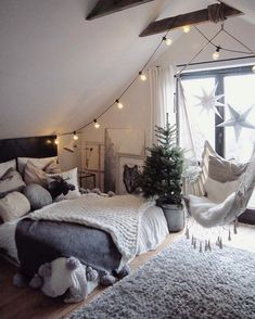 Teenage Girl Bedroom Designs Idea Lovely 33 Ultra Cozy Bedroom Decorating Ideas for Winter Warmth Small Room Bedroom, Cozy Bedroom, Teen Bedroom, Attic Rooms, Small Rooms, Modern Bedroom, Bed Room, Small Spaces, Master Bedroom