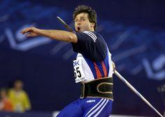 Jan Zelezný (Mladá Boleslav, República Checa, 16 de junio de 1966) se convirtió el 25 de mayo de 1996 en el mejor jabalinista de la historia tras enviar el artefacto a 98 metros y 48 centímetros. Desde aquel día, nadie ha conseguido acercarse a menos de cinco metros a esa marca.