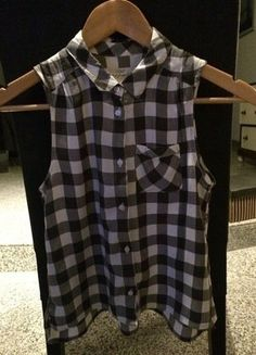 Kaufe meinen Artikel bei #Mamikreisel http://www.mamikreisel.de/kleidung-fur-madchen/armellose-tops-und-blusen/31156557-blusentop-top-shirt-hm-152