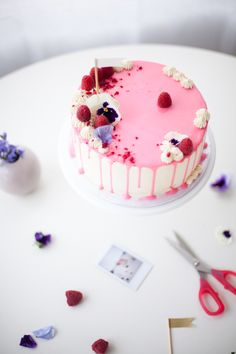 how to make a drip cake - coco cake land