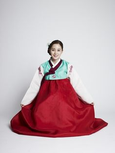 Actress Kim Tae Hee wearing a Korean traditional hanbok