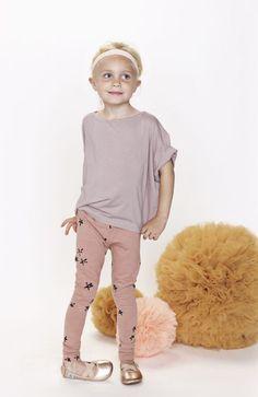 GRO Company Love these shoes and leggins Toddler Fashion, Fashion Kids, Little Fashionista, Stylish Kids, Kid Styles, My Little Girl, Kind Mode, Kids Wear, Cute Kids