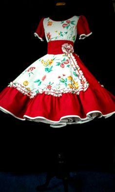 Vestido de huasa. Mariela Fritz.954887289 50s Dresses, Dance Dresses, Wedding Dresses, Dance Outfits, Chile, Beautiful Dresses, Culture, Sewing, Unique