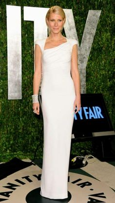 Gwyneth Paltrow in Tom Ford at the 2012 Oscars - without the ridiculous cape, this was great