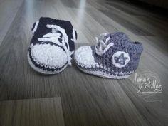Zapatilla tipo converse crochet patron gratis. En www.lanasyovillos.com
