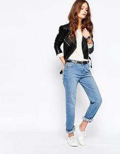 Immagine 4 di New Look - Jeans girlfriend lavaggio chiaro