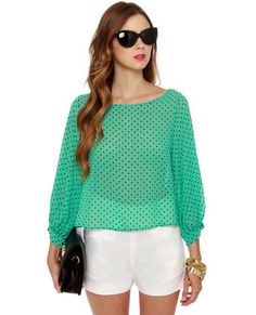 I love this Dot to Mention Sheer Mint Green Top from @lulusdotcom.