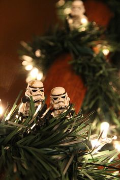 """""""We'll wait here for the fat guy."""" """"He'd better bring us what we want. Lego Stormtrooper, Super Troopers, Star Wars Christmas, Star Wars Love, Lego Photography, The Force Is Strong, Star Wars Party, Star Wars Humor, Love Stars"""