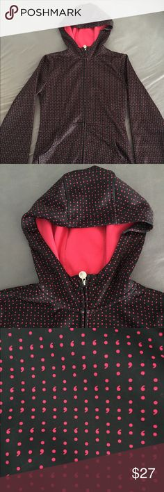 Burton Scoop Hoodie Burton scoop hoodie in an awesome semicolon print. Black and bright pink. Size small. In great condition. Has a hood and 2 front pockets. Warm and great to wear alone or as a layering piece. Burton Tops Sweatshirts & Hoodies