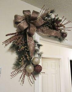 Christmas Corner Door Wreath by GiftsByWhatABeautifu on Etsy