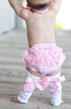 Ruffle Butts!!!  Headband, Bloomers & Leg Warmers - Can I have the baby butt too???
