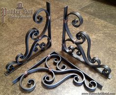 Potter Art Metal Studios: Wrought Iron Corbels More Más Wrought Iron Decor, Wrought Iron Gates, Rod Iron Decor, Deco Pizzeria, Art Fer, Art En Acier, Flur Design, Blacksmith Projects, Steel Art