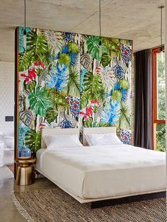 Décoration intérieure / Chambre bedroom / inspiration exotique / Tête de lit / papier peint / Tropical / idée inspiration                                                                                                                                                      Plus