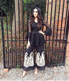 Pin by Bushra Lakdawala on Pakistani dresses Pakistani Dresses Casual, Pakistani Dress Design, Indian Dresses, Indian Outfits, Black Pakistani Dress, Stylish Dresses, Casual Dresses, Pakistani Couture, Desi Clothes