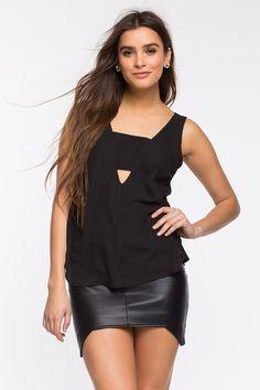 Блуза Размеры: S, M, L Цвет: черный, ярко-синий Цена: 1149 руб.     #одежда #женщинам #блузы #коопт