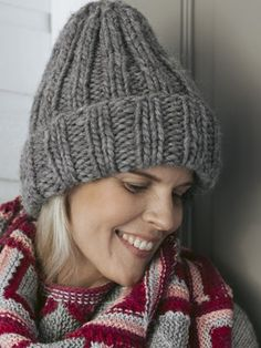 Knitted in stone-grey Hygge Wool yarn, this basic ribbed hat is super-easy, super-chunky and super-warm. Knitting Projects, Knitting Patterns, Knit Stockings, Knit Fashion, Wool Yarn, Hygge, Knitted Hats, Fall Outfits, Knit Crochet