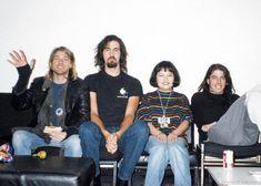 Kurt Krist and Dave Nirvana Kurt Cobain Photos, Nirvana Kurt Cobain, Foo Fighters Dave Grohl, Foo Fighters Nirvana, Nirvana Songs, Kurt And Courtney, Grunge, Donald Cobain, Hot Band
