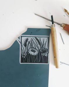 This morning on my desk so nearly finished but the nursery run beckons. . . . . #printmaker #natureinspired #linocut #linoprint #makersgonnamake #inmystudio #handprinted #blockprinting #blockprint #get_imprinted
