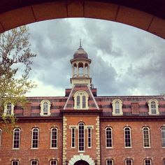 Martin Hall framed by the arch of Chitwood Hall ... Photo Cred: @lkatiecm