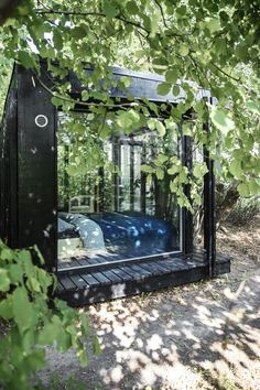 Backyard Studio, Garden Studio, Cabin In The Woods, Container Cabin, Little Houses, Play Houses, Black House, Outdoor Spaces, Tiny House