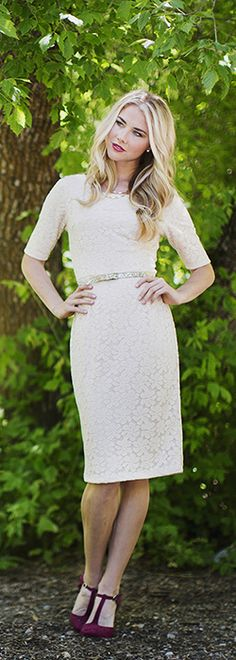 The April is a Gorgeous Cream Lace Dress! This darling dress can be wear all season long cause, who doesn't love a classic Cream Dress! Modest Skirts, Modest Outfits, Modest Fashion, Fashion Dresses, Modest Clothing, Trendy Fashion, Fashion Tips, Elie Saab Couture, Cute Dresses