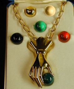 VINTAGE-CROWN-JEWELS-BY-TRIFARI-HAND-INTERCHANGEABLE-PIN-PENDANT-NECKLACE-BOX