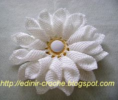 MARGARIDA EM CROCHE MODELO DUPLO by edinir-croche, via Flickr