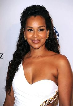 American actress, model, businesswoman and fashion designer LisaRaye McCoy, famously known as LisaRaye is slated to be crowned a Queen Mother in Ghana. Afro, Diva Fashion, Beautiful Black Women, Beautiful Ladies, Single Women, American Actress, Celebrity Style, Face Makeup, Celebs
