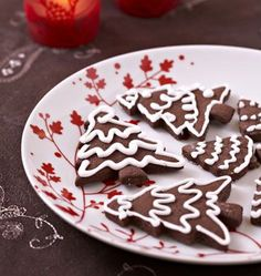 Chocolate Christmas Cookies, the recipe for Ôdélices: find the ingredients in the . Chocolate Christmas Cookies, Christmas Tree Cookies, Christmas Treats, Chocolate Cookies, Cake Recipes For Kids, Cookie Recipes, Desserts With Biscuits, Christmas Biscuits, Xmas Food