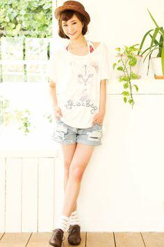ゆるめTシャツに短パンスタイル♪ ◇高校生ファッション スタイルのコーデ アイデア◇