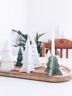 Schlichte Weihnachtsdeko für den Esstisch! #weihnachten #tannenbaum #figuren #natürlich