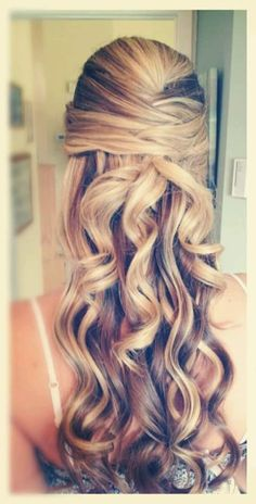 Add glamor to your looks with these hairstyles http://beautyandfashionideas.com/add-glamor-looks-hairstyles/ #Addglamoroyourlookswiththesehairstyles #Beautifuloutfitswithstyleandglamour #Hair