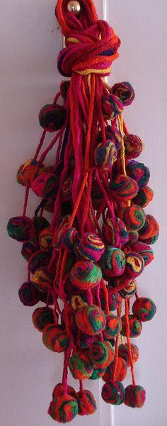 TULMAS OVEJA MULTICOLOR by ELISA BREA, via Flickr Tassel Jewelry, Jewelry Art, Wool Yarn, Wool Rug, Textures Patterns, Print Patterns, Textiles, Yarn Thread, Passementerie