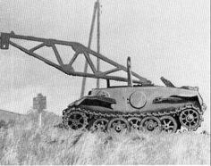 Bergepanzer II Ausf J. VK 1601 Ce véhicule de dépannage est une conversion du Panzerkampfwagen II Ausf J aussi appelé Pz Kpfw nA Verstärkt ( VK 1601 ). Il était munis d'une suspension Schachtellaufwerk ( roues alternées ) du même type que le VK901. Ce type de char ( 7 ) fut livré à la 12e Panzer Division sur le Front de l'est durant l'année 1943. En 1944, on en trouva un dont la tourelle était remplacé par un bras de soulèvement rudimentaire pour en faire un char de dépannage.