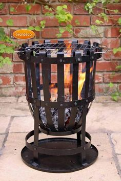 Get the famous Outdoor Large Steel Brazier Complete With Barbeque Grill - Ideal For Burning Garden Rubbish by GARDECO online today. Outdoor Wood Burner, Outdoor Fire, Barbecue Design, Grill Design, Grill Barbecue, Diy Fire Pit, Fire Pit Backyard, Fire Basket, Wood Burning Fire Pit