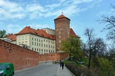 Летние каникулы в Кракове. Польша. Если вы хотите увидеть польский город с многовековой историей, то Краков - это именно то, что вам нужно.