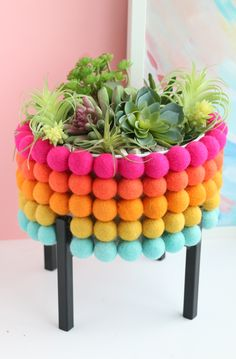 Fun Ways to Use Pom Poms in Crafts / Check out this roundup of pom pom ideas for making everything from home decor to upcycled fashion! These fun pom pom crafts include something for everyone / Cute Crafts, Craft Stick Crafts, Easy Crafts, Diy And Crafts, Crafts For Teens To Make, Easter Crafts For Kids, Crafts To Sell, Diy Inspiration, Pom Pom Crafts