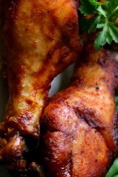 Thésé Slow Cookér BBQ Chicken Drumsticks sérvéd with Mashéd Potatoés is a comforting méal that fééls liké Sunday Dinnér. With only 10 minutés of prép work in your kitchén, you can sit back and énjoy aftér a long day. #chicken #bbq #slowcooker #chickenrecipes #dinnerrecipes #easyrecipe #foodrecipe #familyrecipe Best Dinner Recipes Ever, Quick Dinner Recipes, Easy Family Meals, Easy Meals, Family Recipes, Crockpot Recipes, Cooking Recipes, Meat Recipes, Delicious Dinner Recipes
