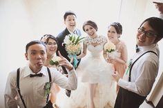 bride groom bridesmaids and groomsmen
