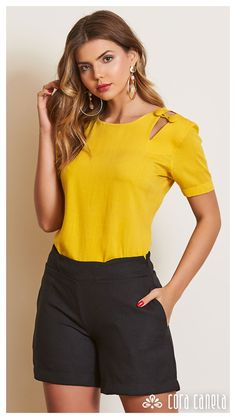 Blouse Styles, Blouse Designs, Chic Outfits, Fashion Outfits, Look Con Short, Sleeves Designs For Dresses, Fashion Sewing, Work Attire, Short Dresses