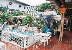 Uno de mis restaurantes favoritos en los 80 - La Cascada, Panamá. Donde los soldados americanos en tiempos de invasión se levantaron, casaron y se llevaron a las meseras!
